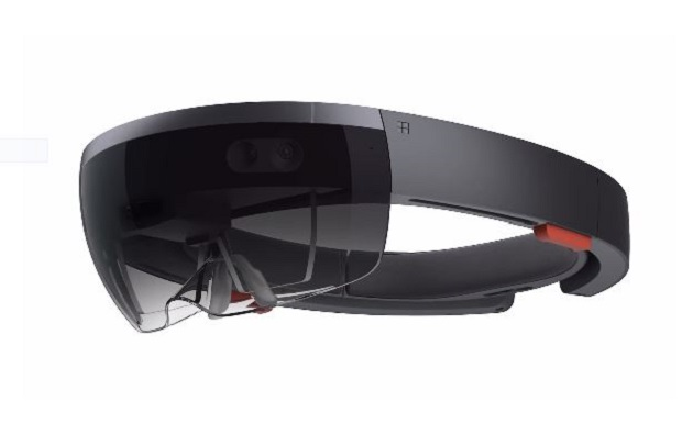 New version of Minecraft for HoloLens announced